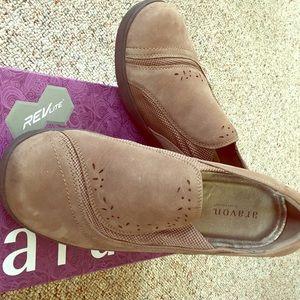 Aravon by New Balance work /walking shoe